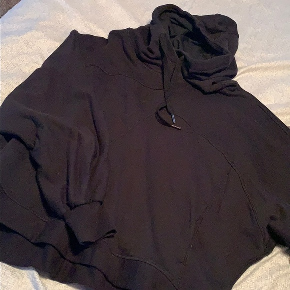 lululemon athletica Jackets & Blazers - Black lululemon sweatshirt